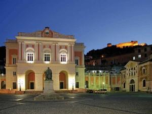 Cosenza - Teatro Rendano, Taxi Cosenza Lamezia Terme Aeroporto e stazione dei treni