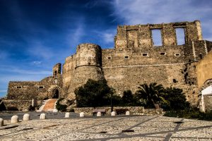 Castello Squillace - Taxi Lamezia Terme Squillace
